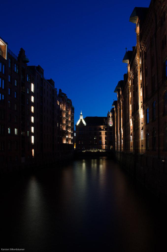 Blaue Stunde in der Speicherstadt